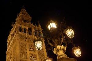 Ruta nocturna por el Barrio de Santa Cruz de Sevilla